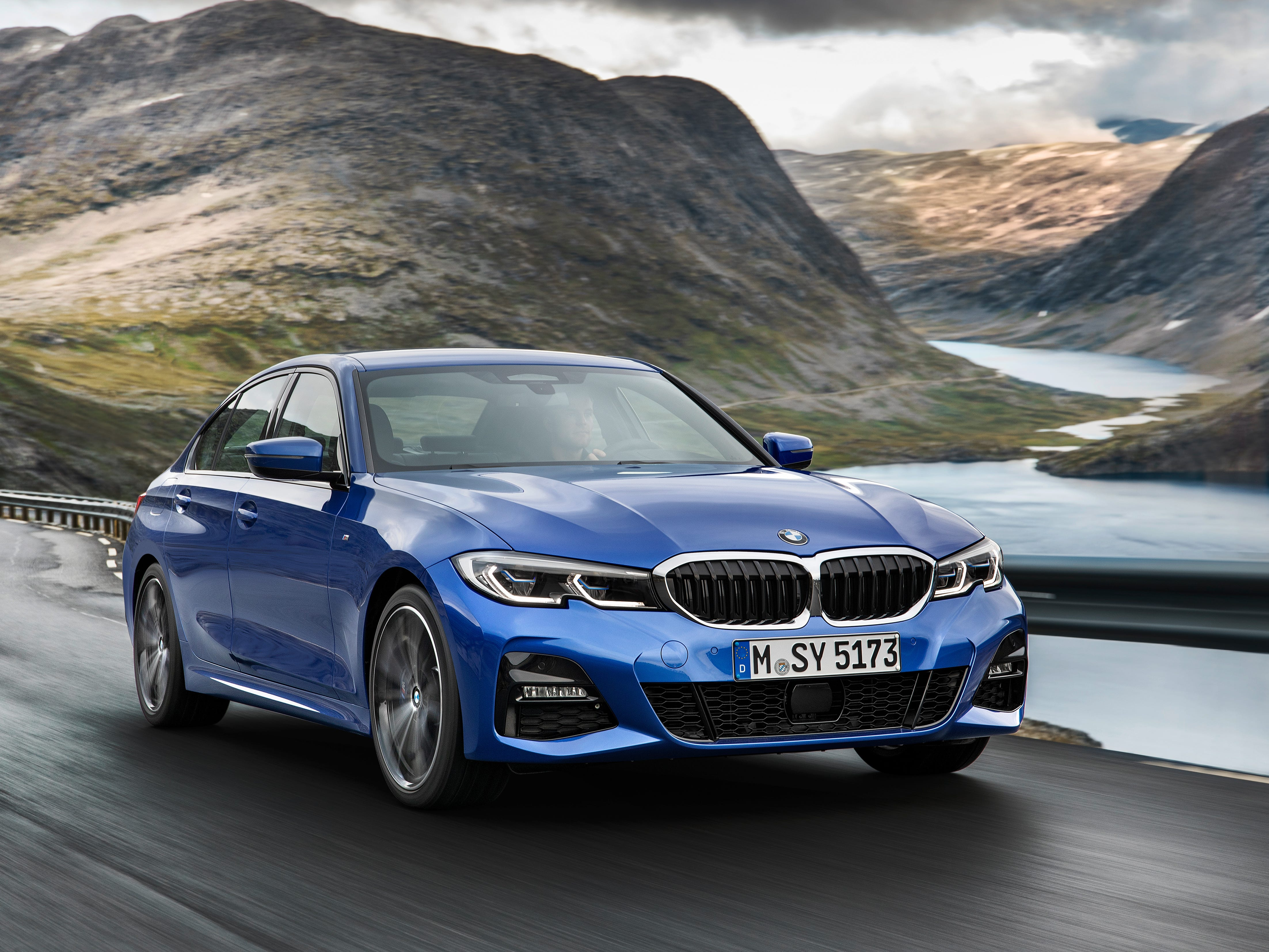 The BMW 3 Series, remade for 2019, debuted in the the US at the LA Show.