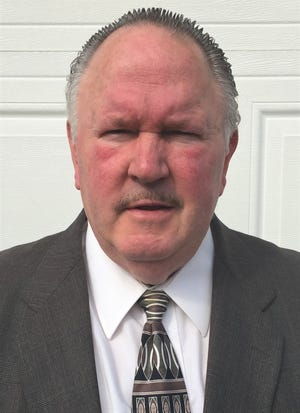 Longtime Westland John Glenn assistant coach Frank Cox will be inducted next month into the Michigan Wrestling Association Hall of Fame in Mt. Pleasant.