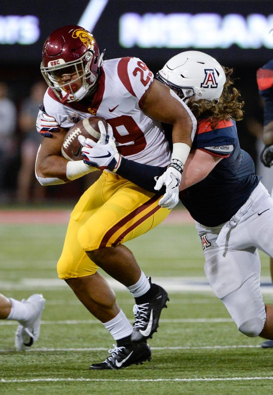 Ncaa Football Southern California At Arizona