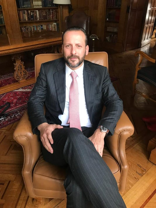 Rodrigo Carmona abogado Julian Gil