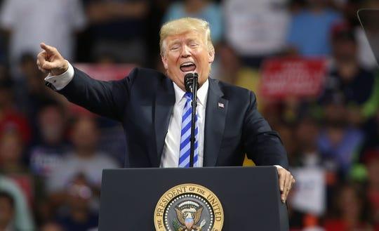"""Más del 80 % de los votantes latinos registrados se ha mostrado """"enfurecido"""" con políticas como la de """"tolerancia cero"""""""