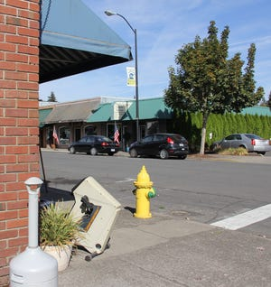 The ashtray in front of Trask Mercantile in downtown Stayton.