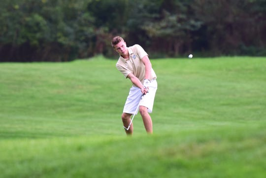 Wilson Memorial's Grayson Wright chips onto the 18th green during the VHSL Class 2, Region B golf championships on Tuesday, Oct. 2, 2018, at Heritage Oaks Golf Course in Harrisonburg, Va.