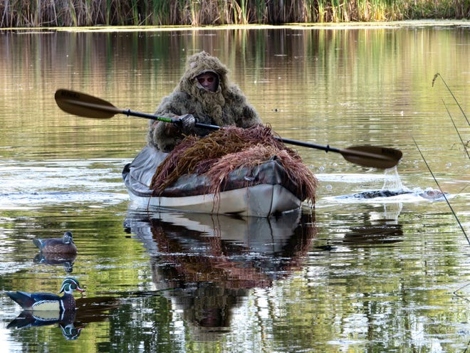 Newly designed hunting kayaks help simplify waterfowl hunting on water.
