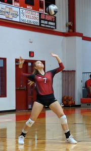 Holliday's Aubrey Miller serves against Bowie Tuesday, Oct. 2, 2018, in Holliday.