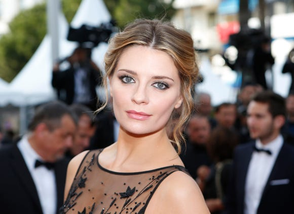 "Actress Mischa Barton, the former It girl of Fox's soapy drama ""The OC,"" has joined MTV's revival of the reality show ""The Hills,"" MTV announced."