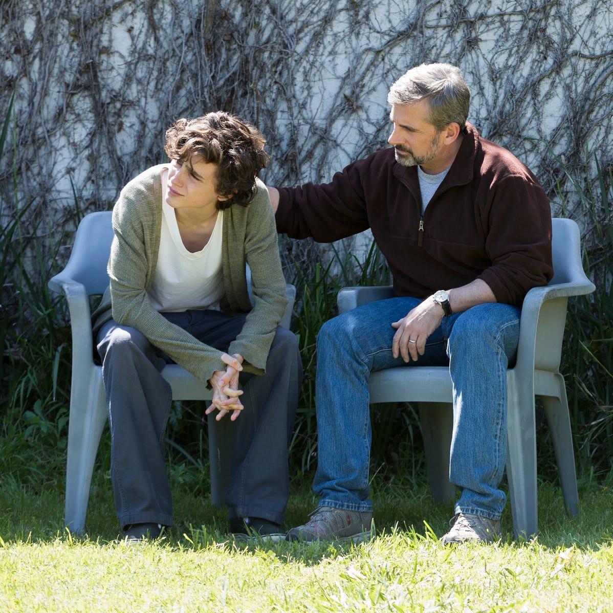 "David Sheff (Steve Carell, right) helps son Nic (Timothée Chalamet) through his addiction in ""Beautiful Boy."""