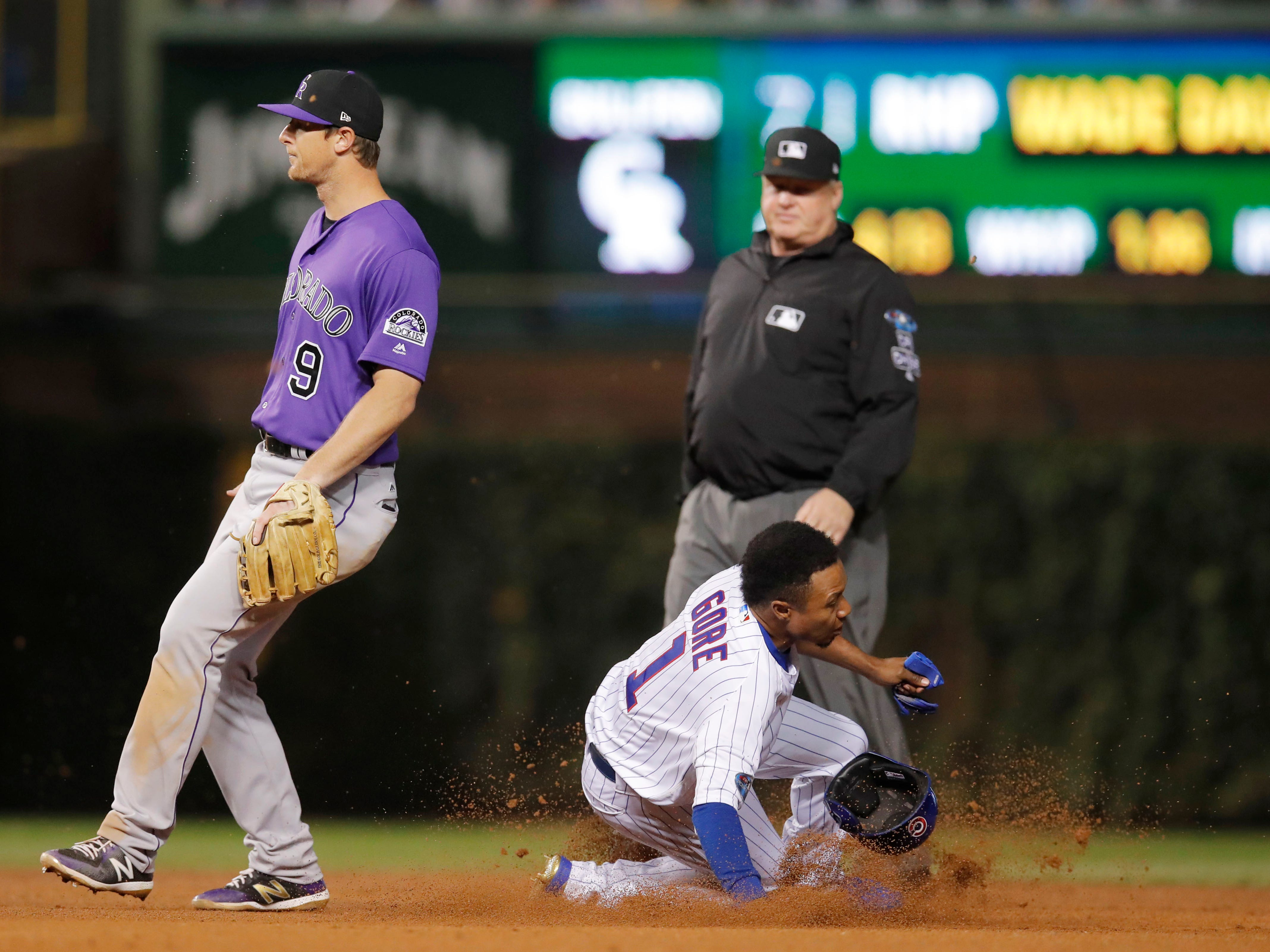 NL wild card: Cubs pinch runner Terrance Gore steals second base in the 8th inning.