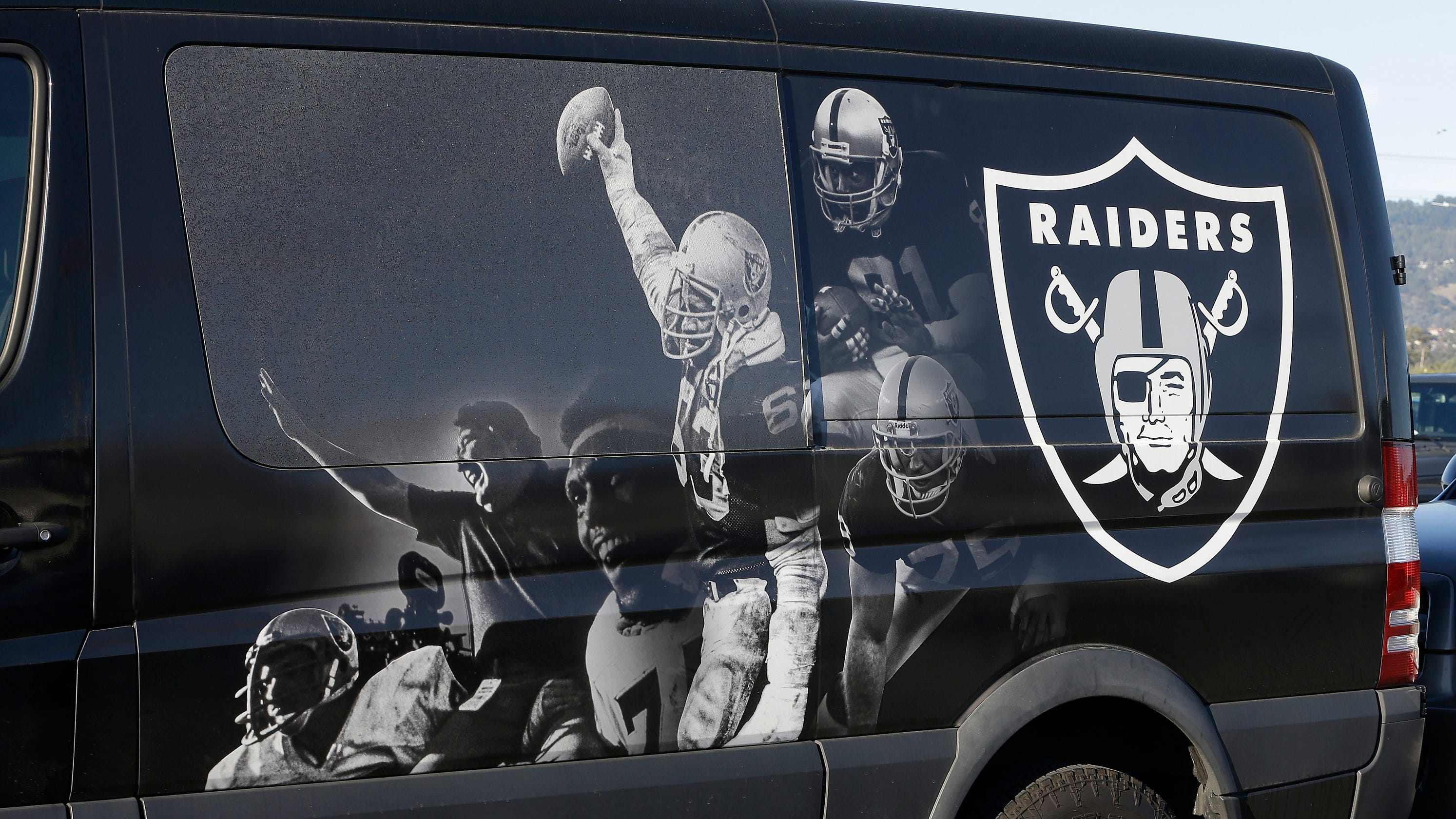 Could Oakland Raiders play at Mackay Stadium before move to Las Vegas?