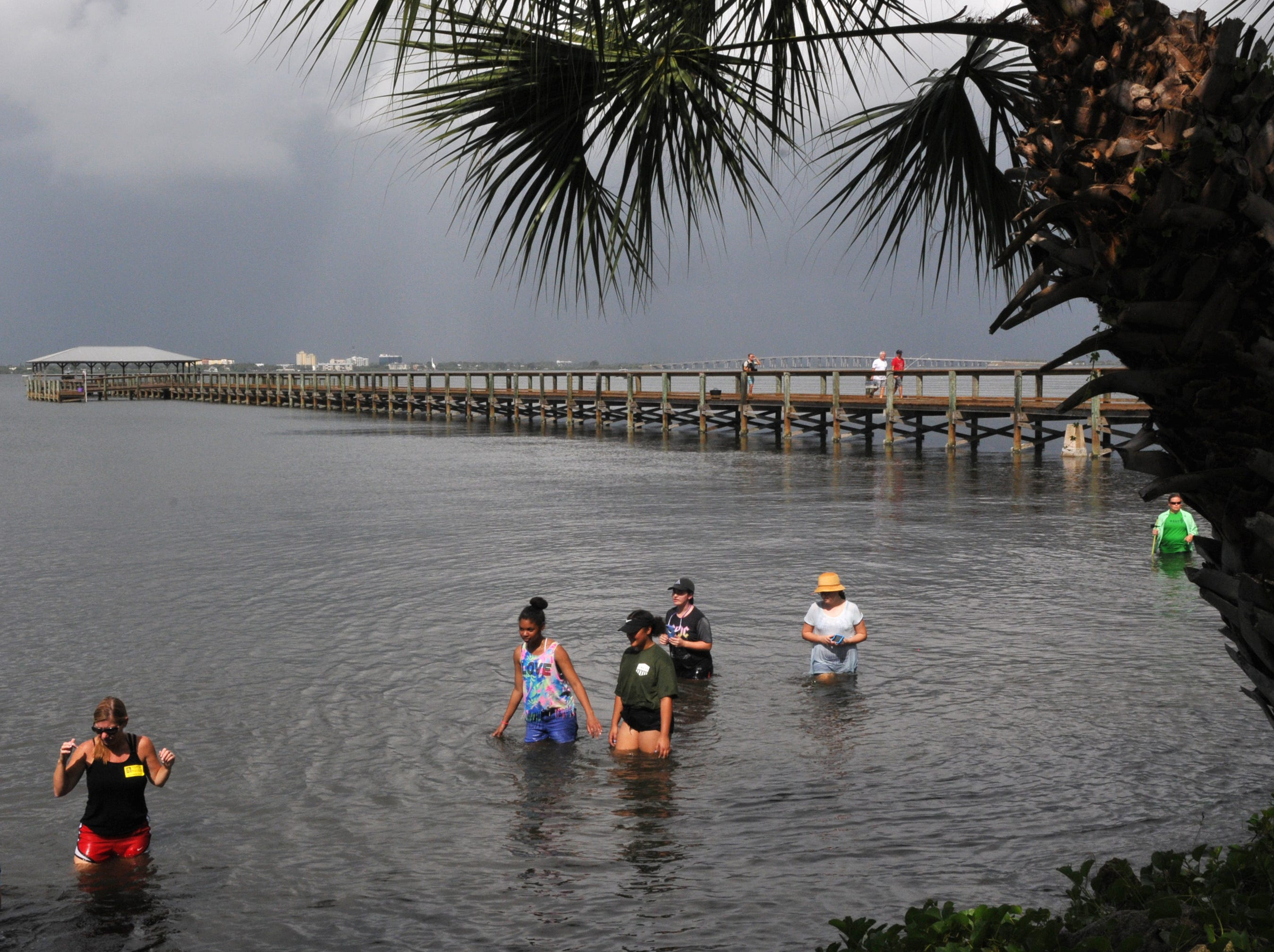 Students experience a slice of lagoon life