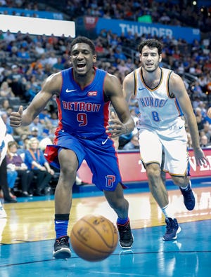 Pistons guard Langston Galloway reacts to losing the ball as Thunder guard Alex Abrines watches Wednesday.