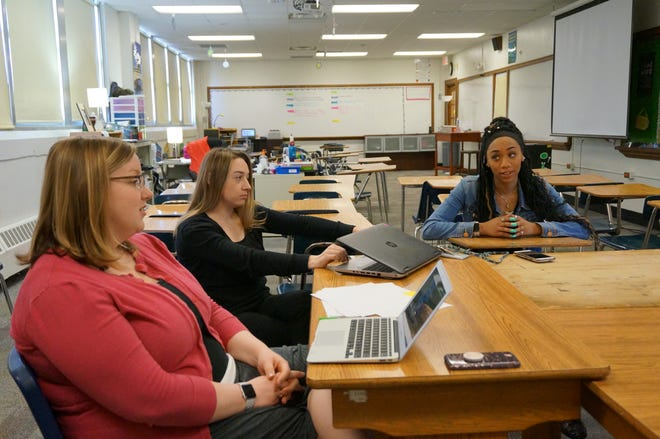 Katie Knutson (left) is helping to run a new student teacher program.