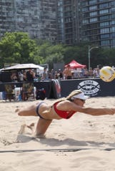 Kim Smith, the sister of former Butler basketball star Andrew Smith, has become a professional beach volleyball player.