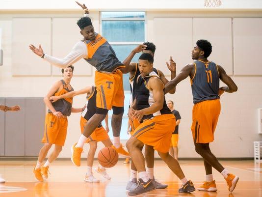 Kns Vols Basketball 10418 Bp Jpg