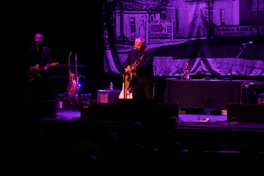 John Prine Emotional Tn Theatre Performance Marks Summers End In