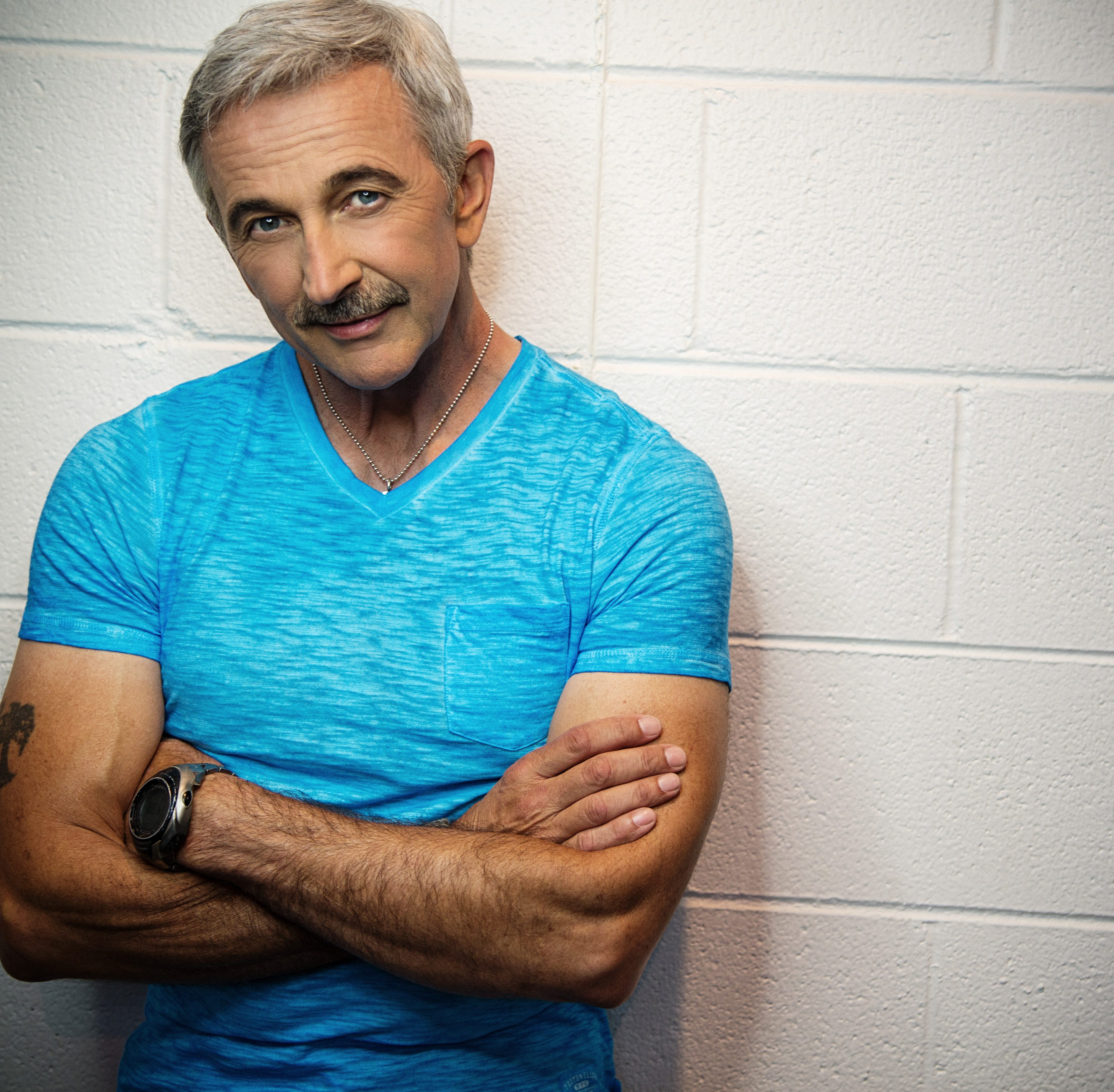 Country star Aaron Tippin coming to Renaissance Theatre on Friday