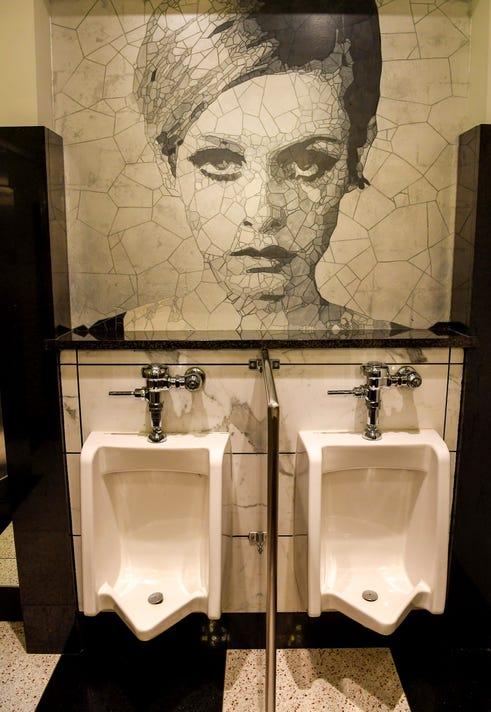 Nas Toilets 054