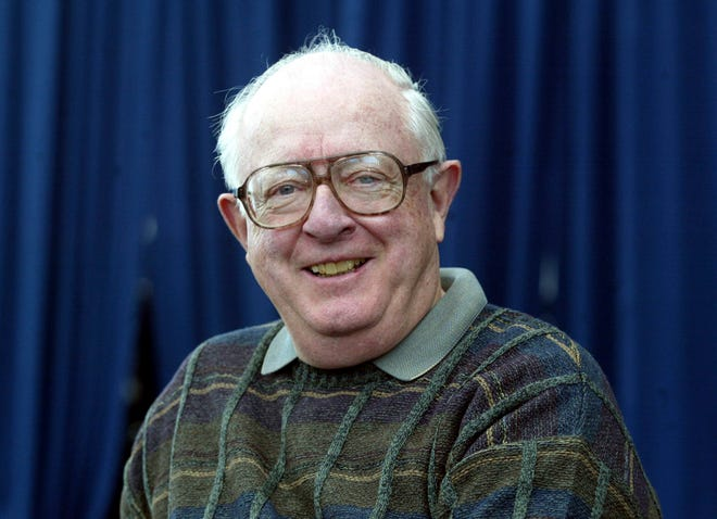 This Jan. 24, 2003 photo shows New York Times Pulitzer Prize-winning sports columnist sports columnist Dave Anderson, who died Thursday, Oct. 4, 2018, at an assisted living facility in Cresskill, N.J., The New York Times said. He was 89.