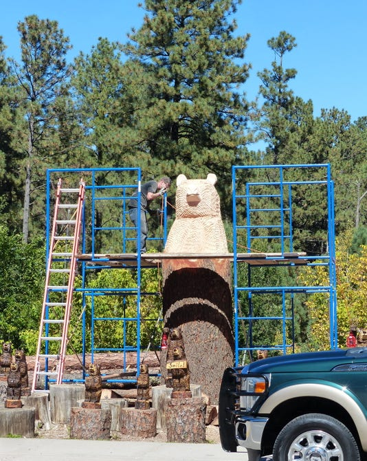 gigantic bear ruidoso