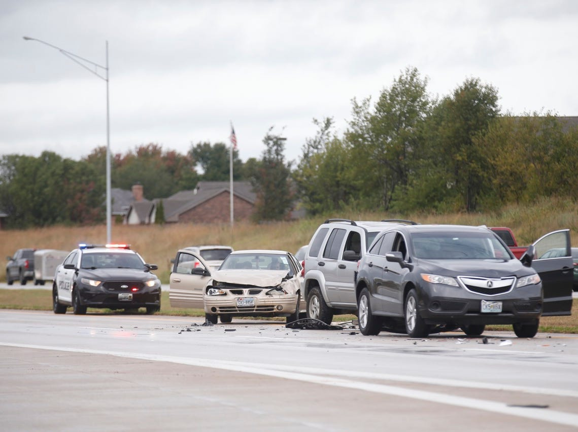 Crews respond to a multi-vehicle crash on Thursday, Oct. 4, that shut down eastbound lanes of James River Freeway.