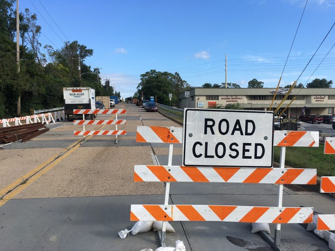 Traffic on a four-lane, primary artery connecting Kirkwood Highway and Faulkland Road in Elsmere will be disrupted for most of 2018 as crews rebuild a crumbling bridge that crosses the East Penn Railroad tracks.