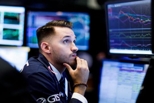 A traders works on the floor of the New York Stock Exchange (NYSE) in New York, New York, USA, on 04 October 2018.  EPA-EFE/JUSTIN LANE ORG XMIT: JLX15
