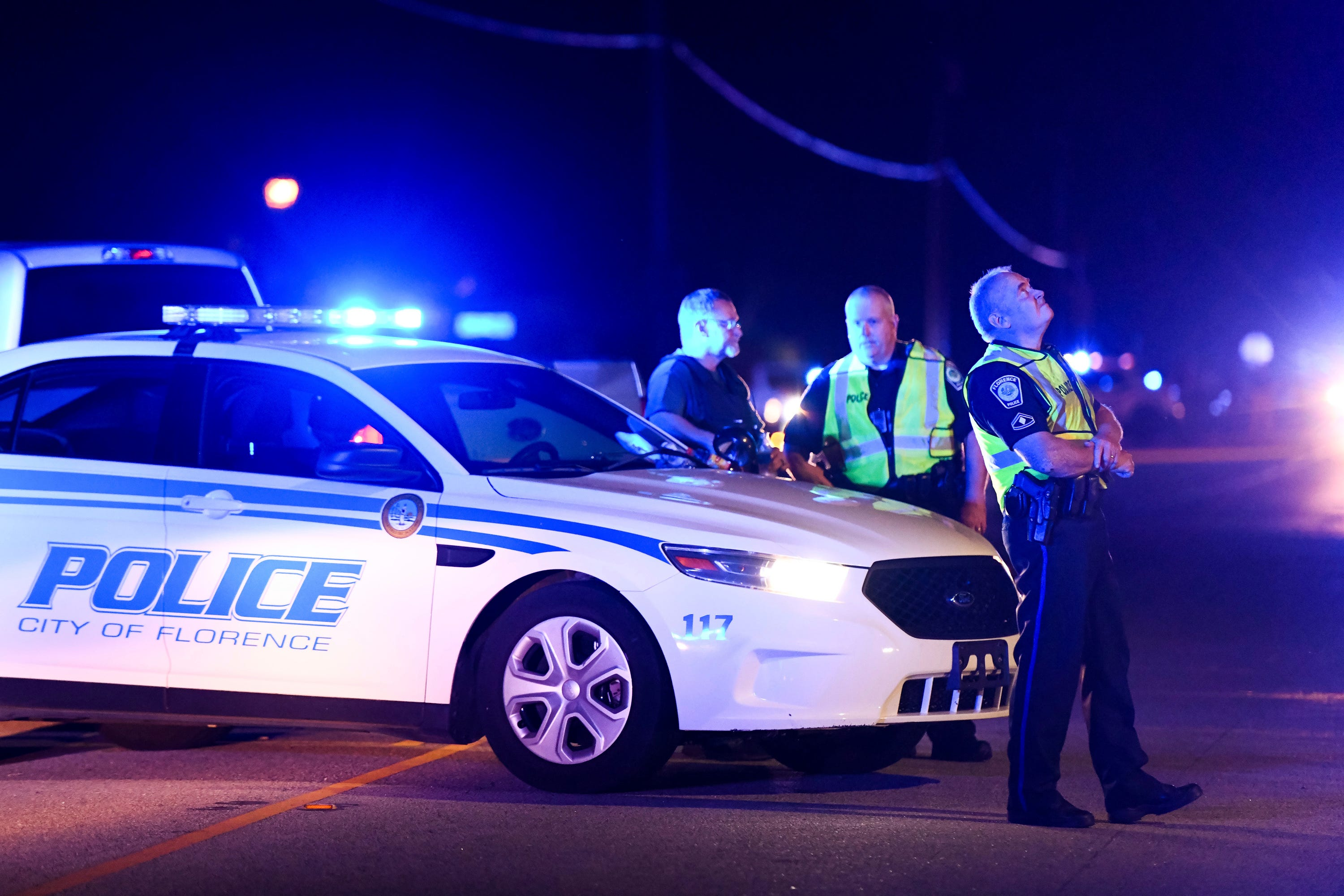 6 officers hurt, 1 killed in South Carolina shooting