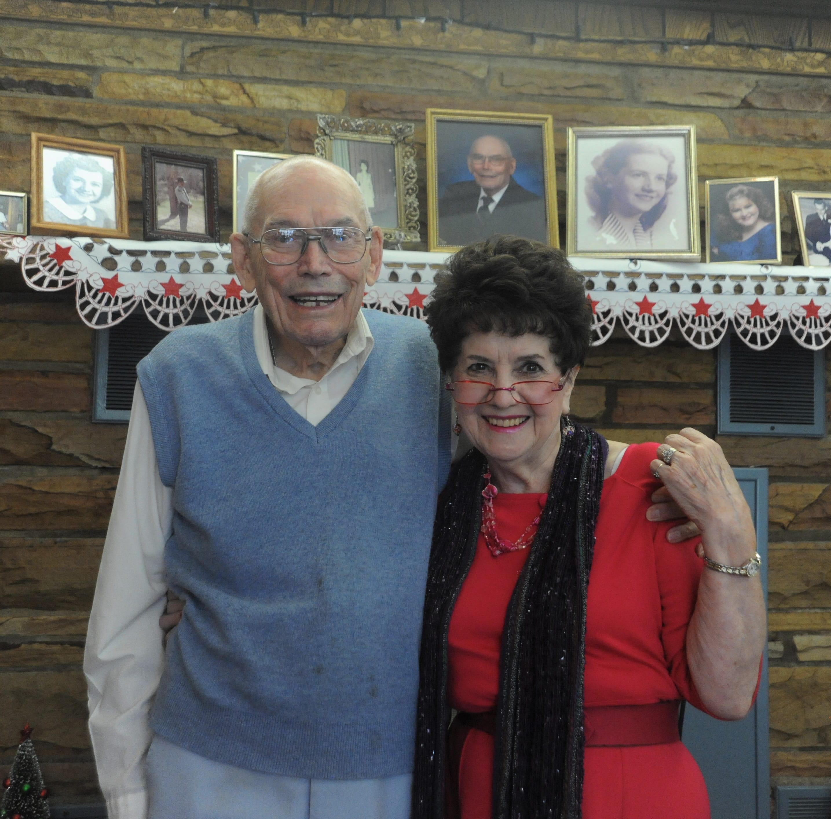 Earl and Carolyn Snypes celebrate 70 years of marriage in Ridgecrest