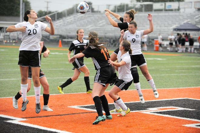 Waverly girls soccer fell to Wheelersburg High School 5-1, Thursday at Waverly Field. Wheelersburg clinched a Southern Ohio Conference title.