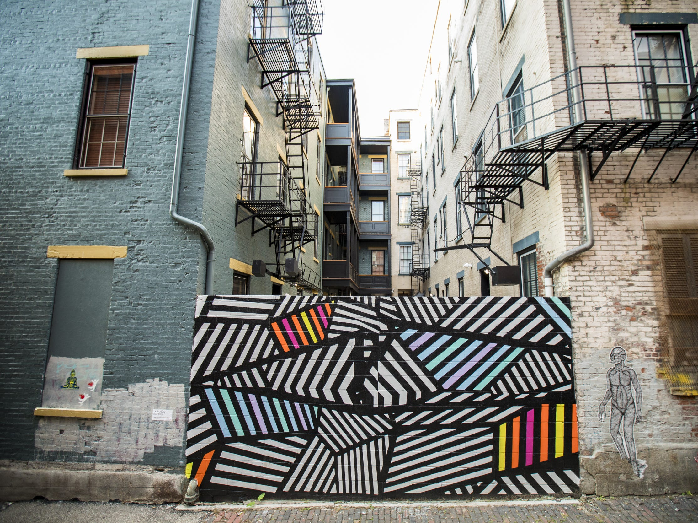 """Raz"" designed by LK MNDD is featured in Bolivar Alley in Pendleton as part of New Lines Alleyway Murals: Phase II by ArtWorks."