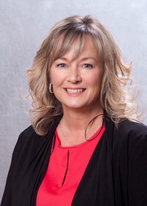 Suzanne Green Headshot