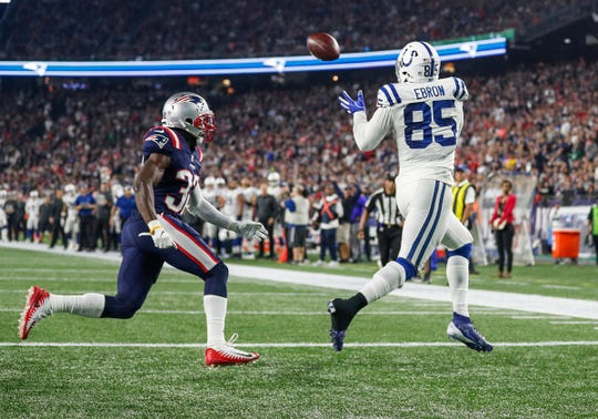 Colts tight end Eric Ebron (85) catches a touchdown pass from Luck in the third quarter at Gillette Stadium in Foxborough, Mass.