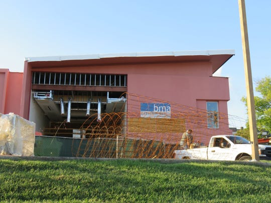 One of the cube/square buildings at Twelve Oaks Executive Park on Kingston Pike was being remodeled into a facility for SmartBank on Oct. 3, 2018.