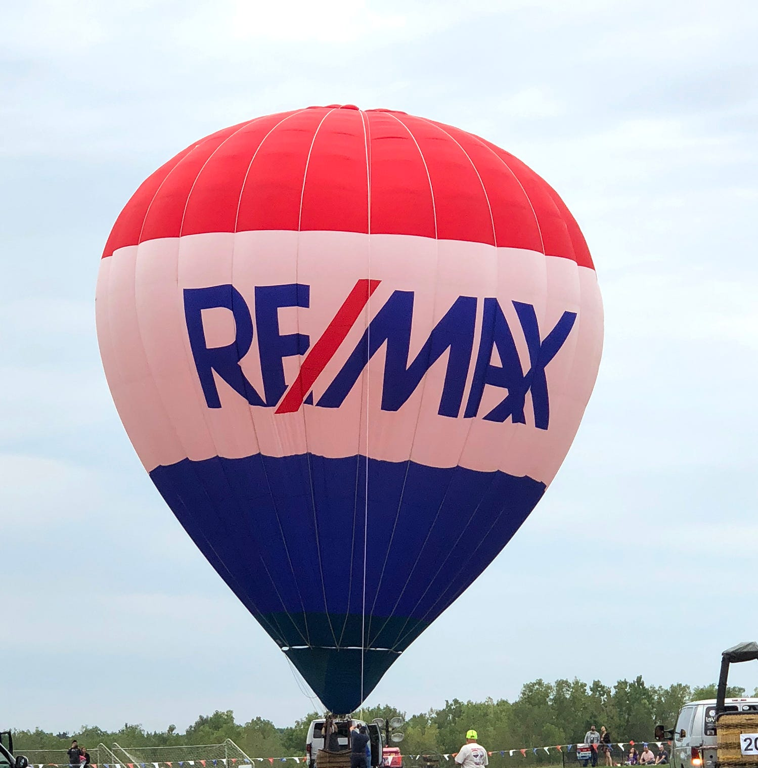 RE/MAX Balloon Fest a Big Success for the Lansing Promise
