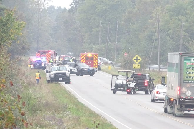 A wreck halted traffic Friday afternoon at the intersection of Ohio 13 and Richland Shale Road, north of Mansfield.