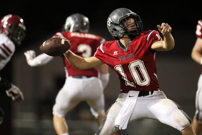 Fayette Academy's Rube Scott Rhea throws the ball against Davidson Academy during their game in Somerville on Thursday, Oct. 4, 2018.