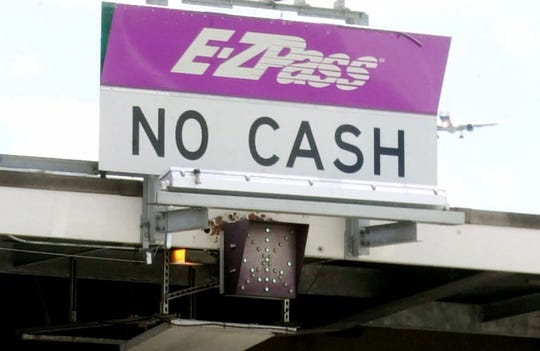 An E-ZPass toll sign on the New Jersey Turnpike.