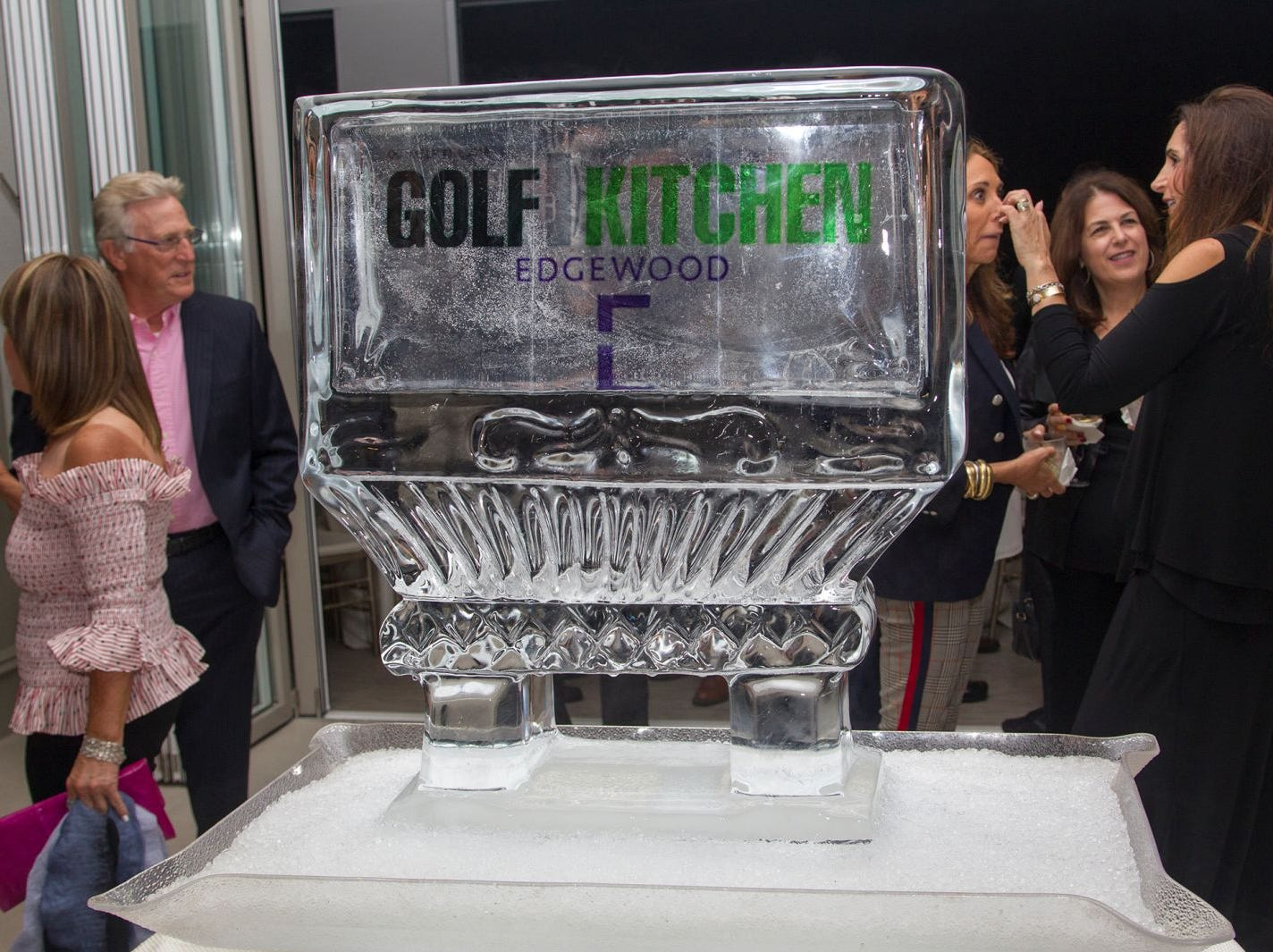 "Edgewood Country Club, in partnership with Golf Kitchen magazine, host the ""Golf Kitchen/Edgewood Fine Dining Soirée and Golf Kitchen Culinary Excellence Awards.""  10/04/2018"