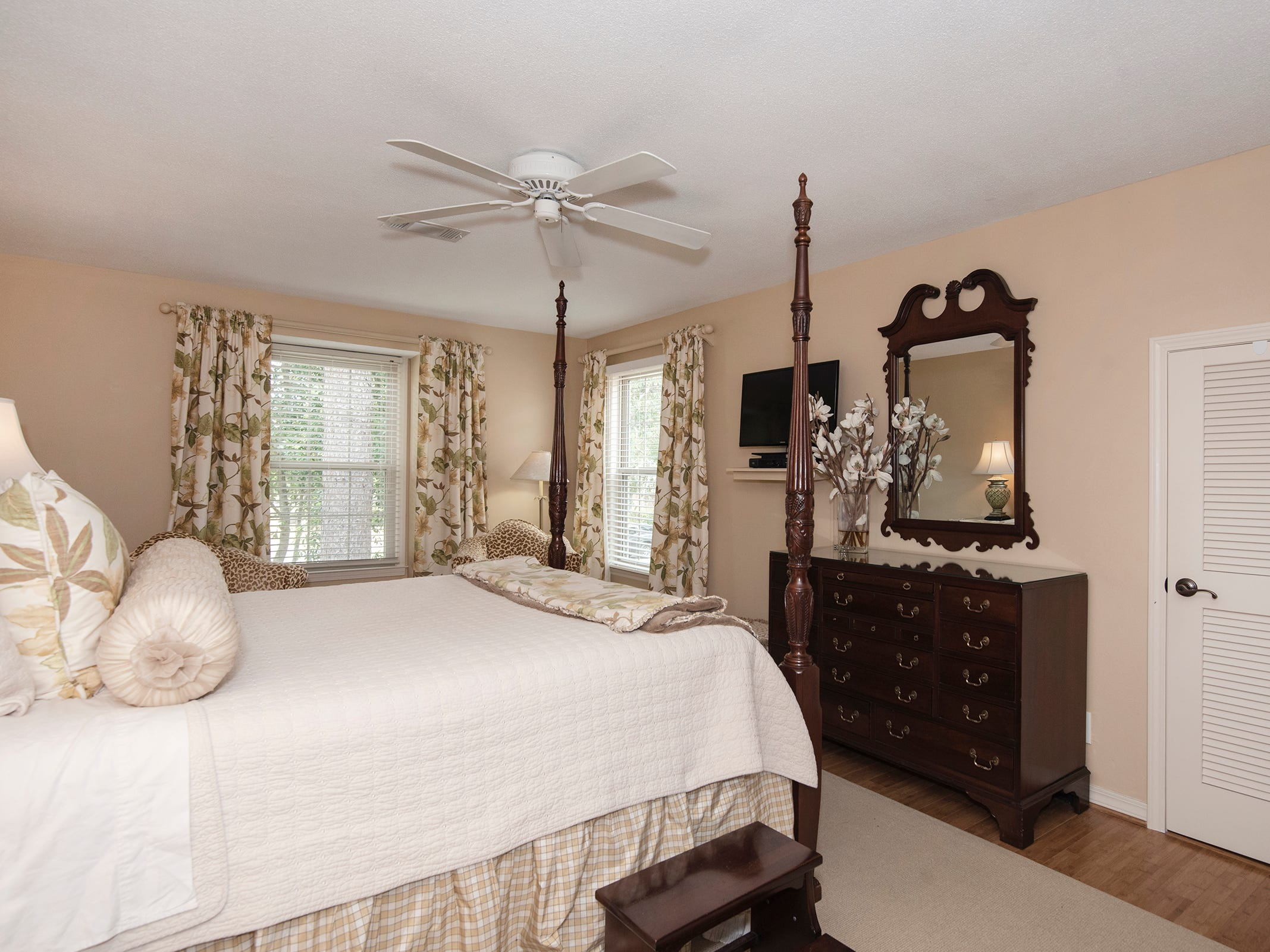 2625 Tambridge Circle, the master bedroom.