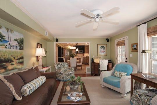 2625 Tambridge Circle, the family room ajoins the kitchen.