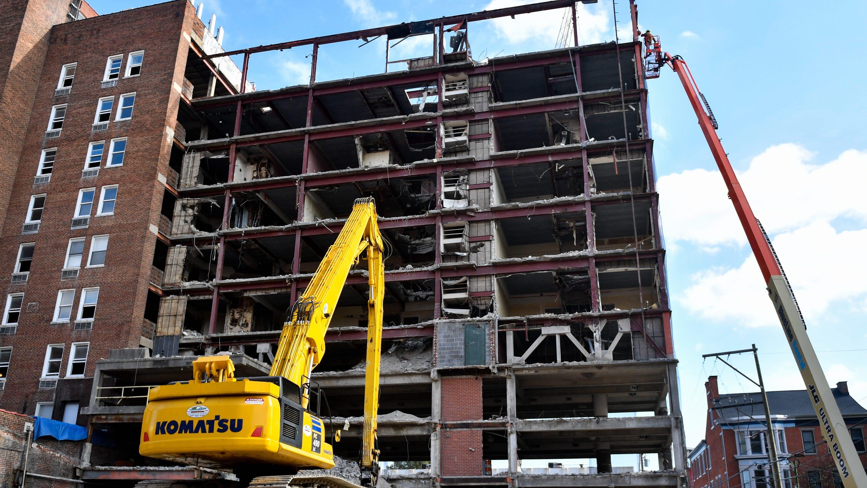 Update Robot Helps Demolition Of 1957 Addition To Yorktowne