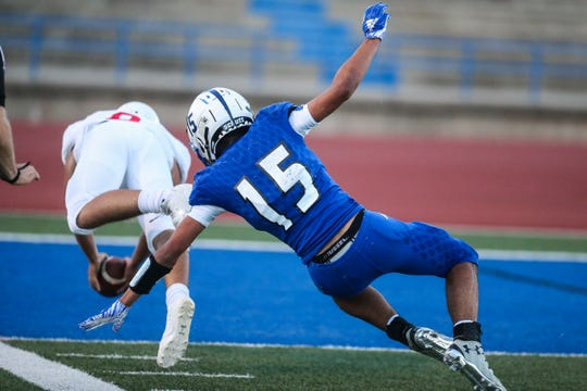 Lake View's Johnny Espinosa attempts to tackle a Brownfield receiver Thursday, Oct. 4, 2018, at San Angelo Stadium.