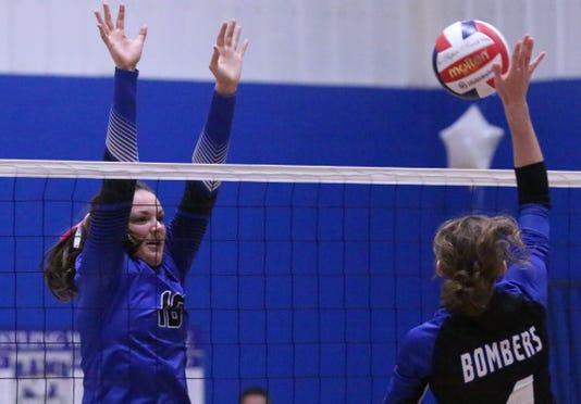 100418 She Kohler At Random Lake Volleyball Gck 04