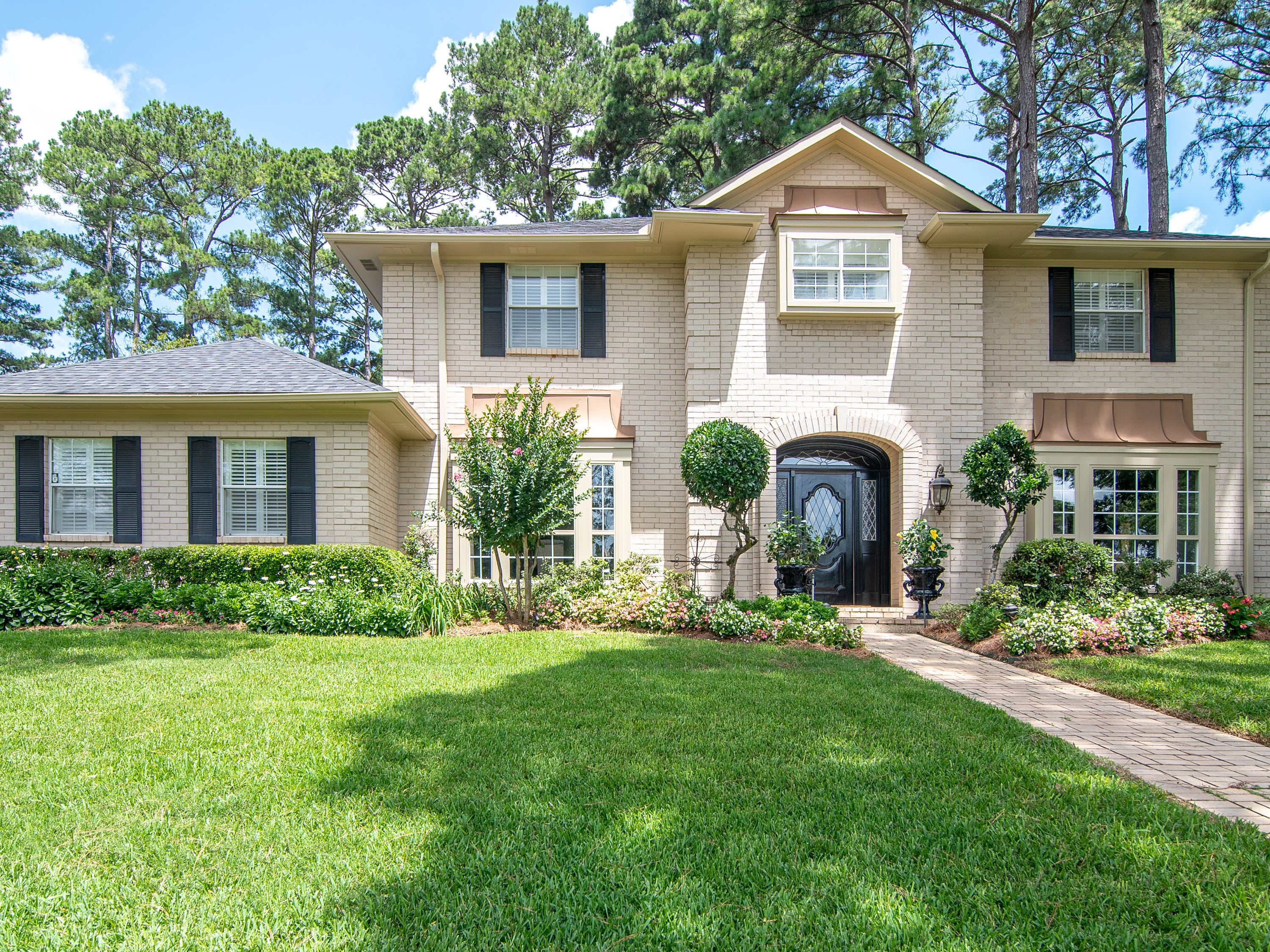 527 Loch Ridge Drive, Shreveport  Price: $475,000  Details: 4 bedrooms, 4 bathrooms, 3,807 square feet  Special features: Stately home in Spring Lake Estates, meticulously maintained landscaping,  cook's kitchen.   Contact: Chris Holloway, 518-7333