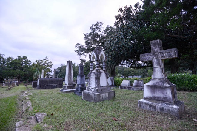 Tallahassee's Old City Cemetery is a magnet for ghost stories.