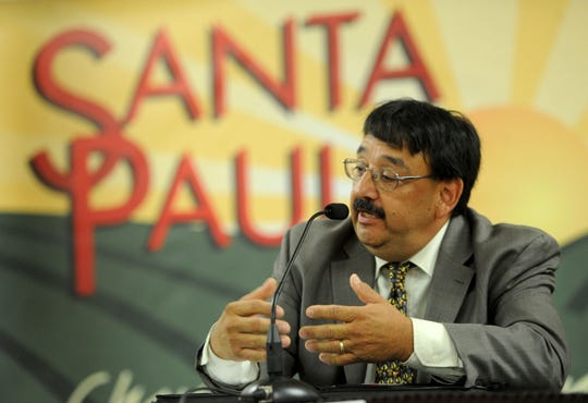 Carlos Juarez answers a question about the city's budget during a forum for Santa Paula City Council candidates.