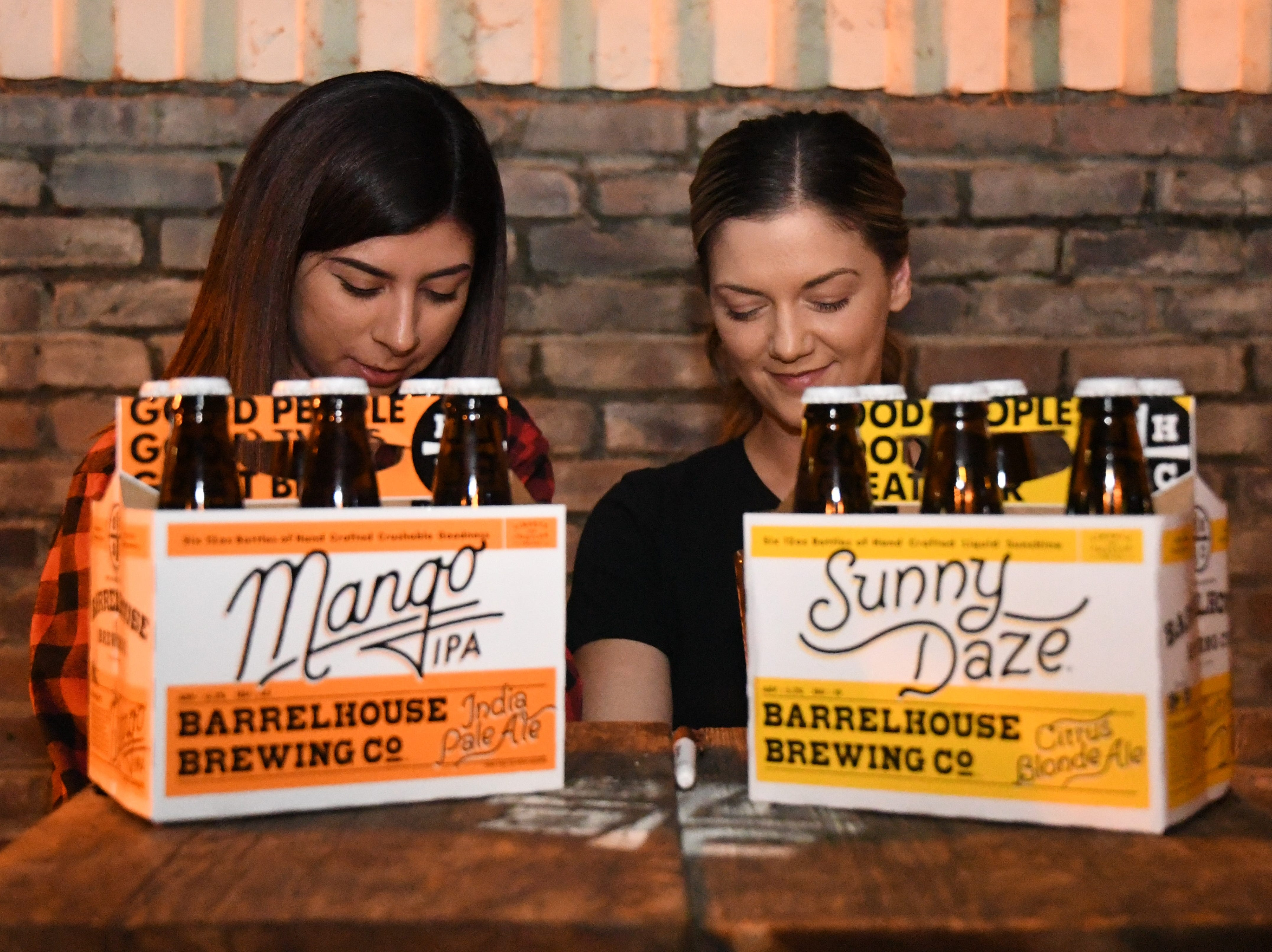 Barrelhouse Brewing Co. refresh event-goers with their Sunny Daze Blonde Ale and Mango IPA.