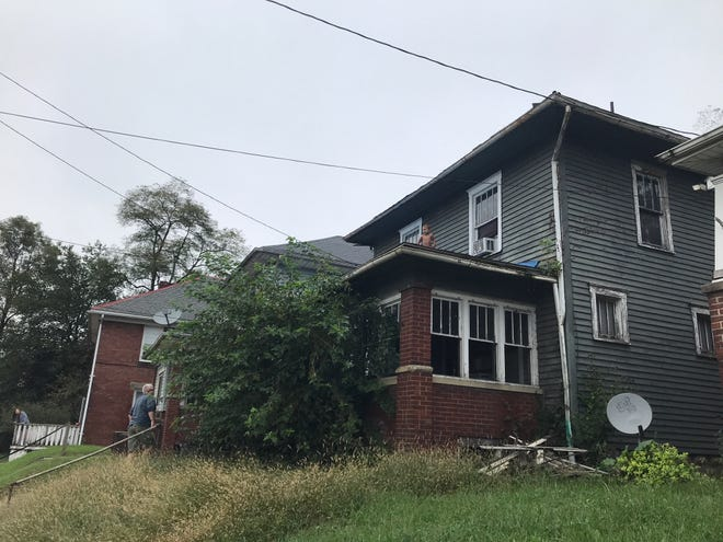 A toddler that wondered out onto the roof of a home on Wayne Avenue is now safe inside.