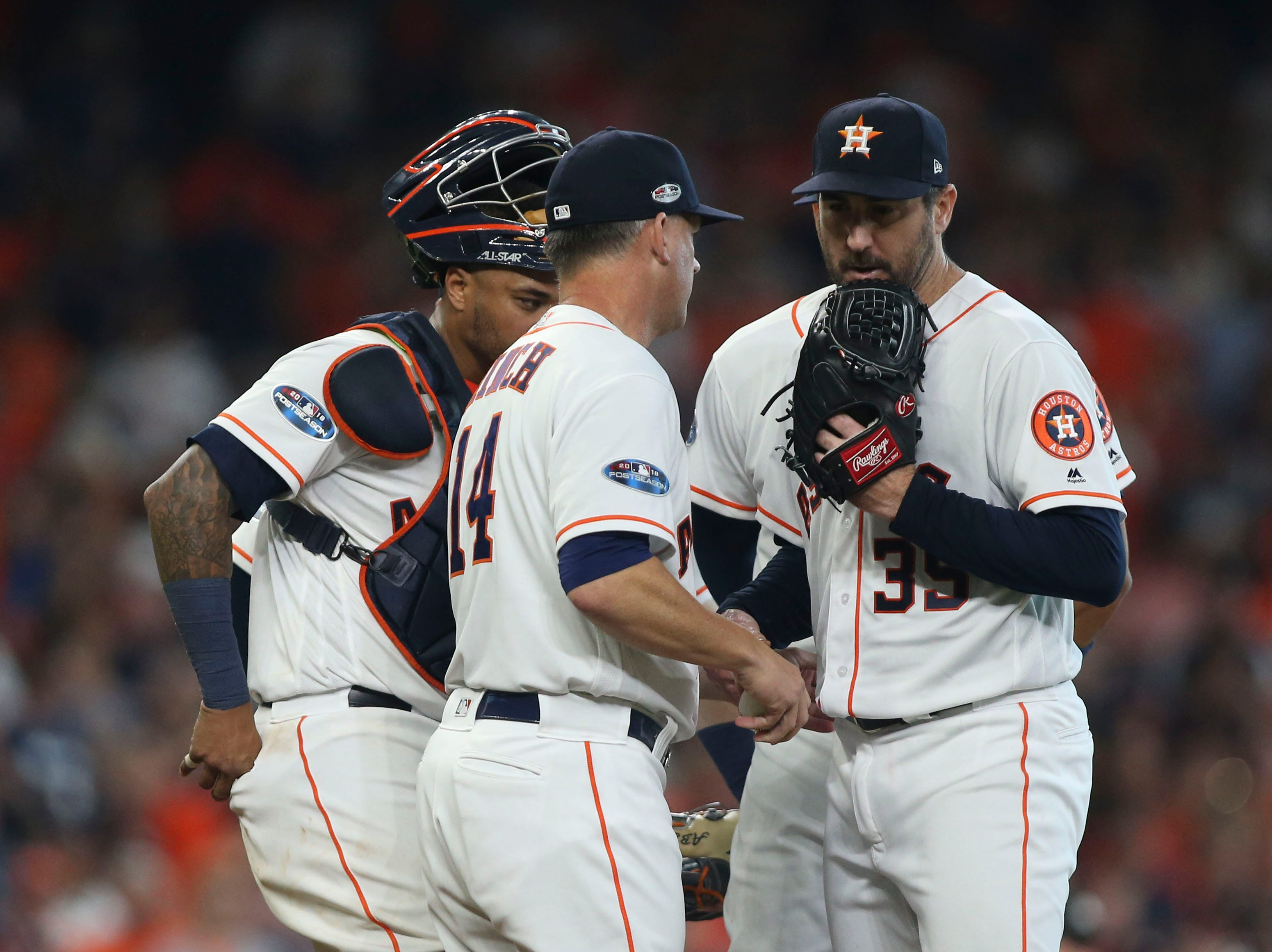 ALDS Game 1:  Astos manager AJ Hinch pulls Justin Verlander in the sixth inning.