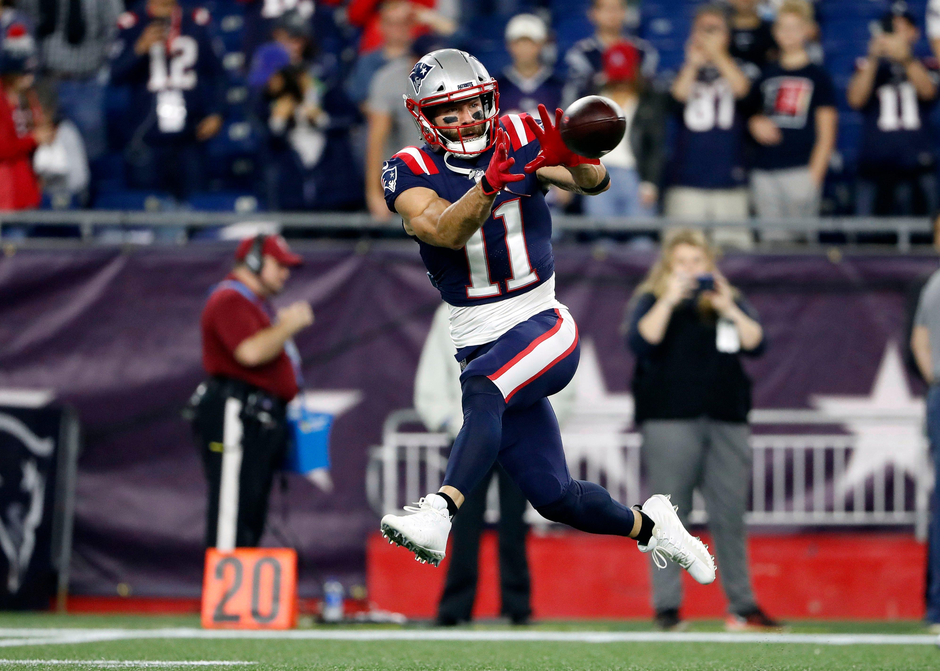 Julian Edelman returns, Tom Brady gets milestone as Patriots cruise past Colts